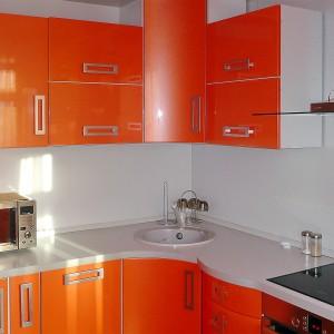 Oranža iebūvējamā virtuve