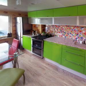 Salātzaļa iebūvējamā virtuve