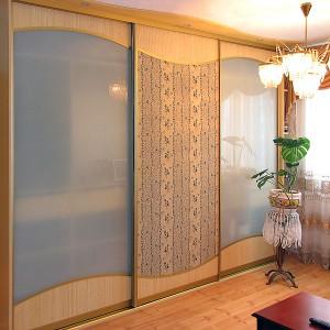 Использование натурального гобелена в сочетании со стеклом и ламинатом