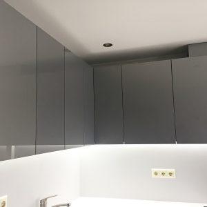 Pelēki iebūvējamās virtuves skapīši