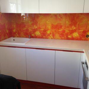 Balti iebūvējamās virtuves skapīši