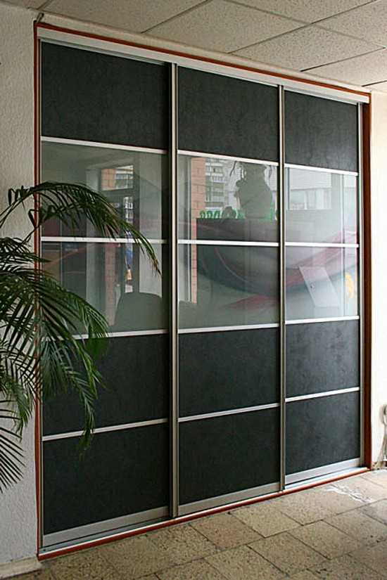 Starpistabu bīdāmas durvis-starpsiena ar alumīnija profilu