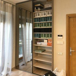 Шкаф с беспрофильной системой дверей.